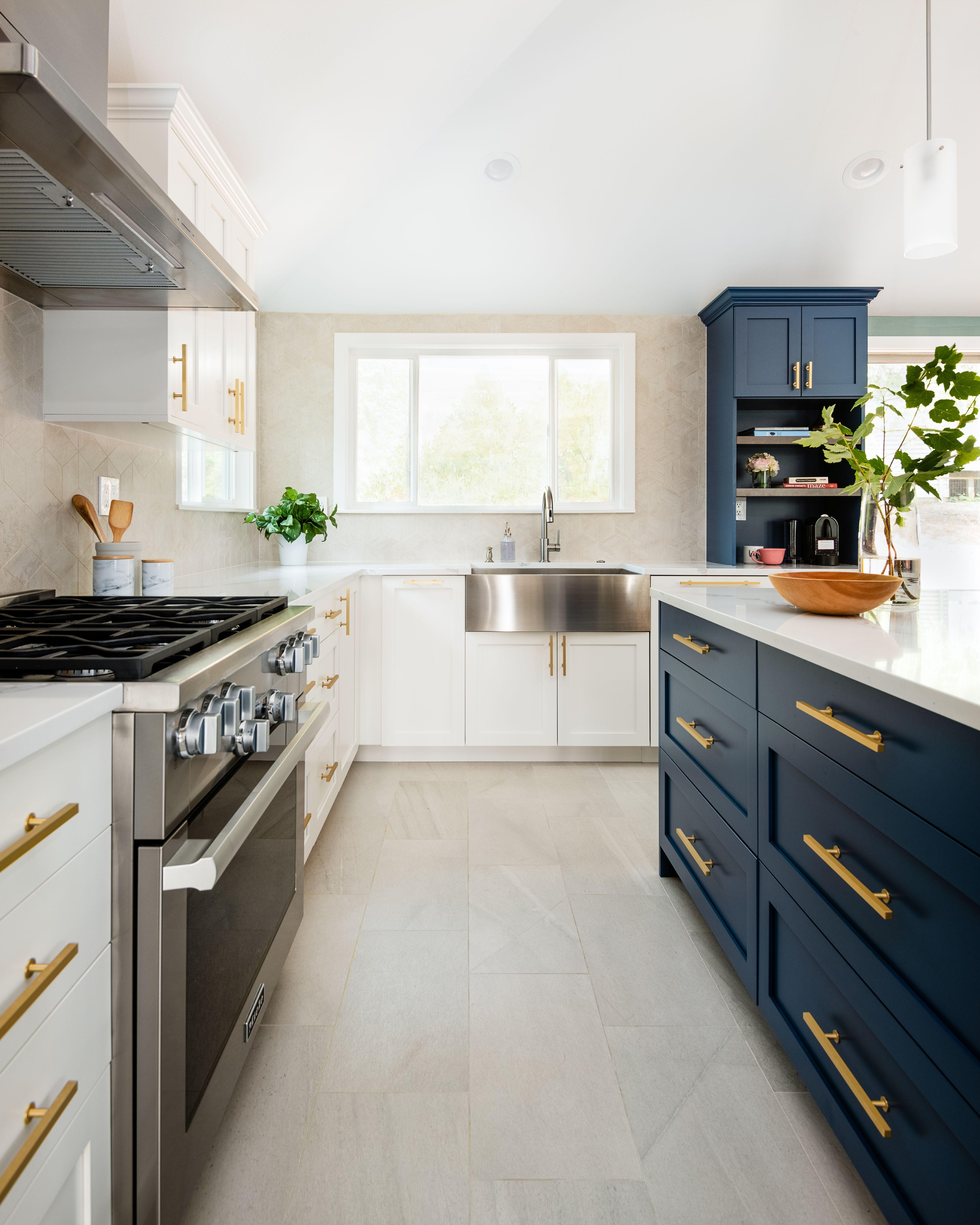 Acadiacraftdesigns Acadiacraft Seattlemodernkitchens Modernkithen Seattledesign Kitchencabinets Modern Bathroom Cabinets Modern Cabinets Modern Kitchen