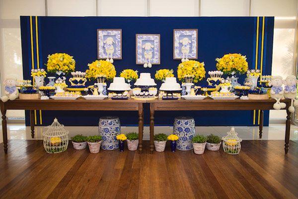 Batizado azul e amarelo Constance Zahn Wedding Wedding decorations, Beautiful table