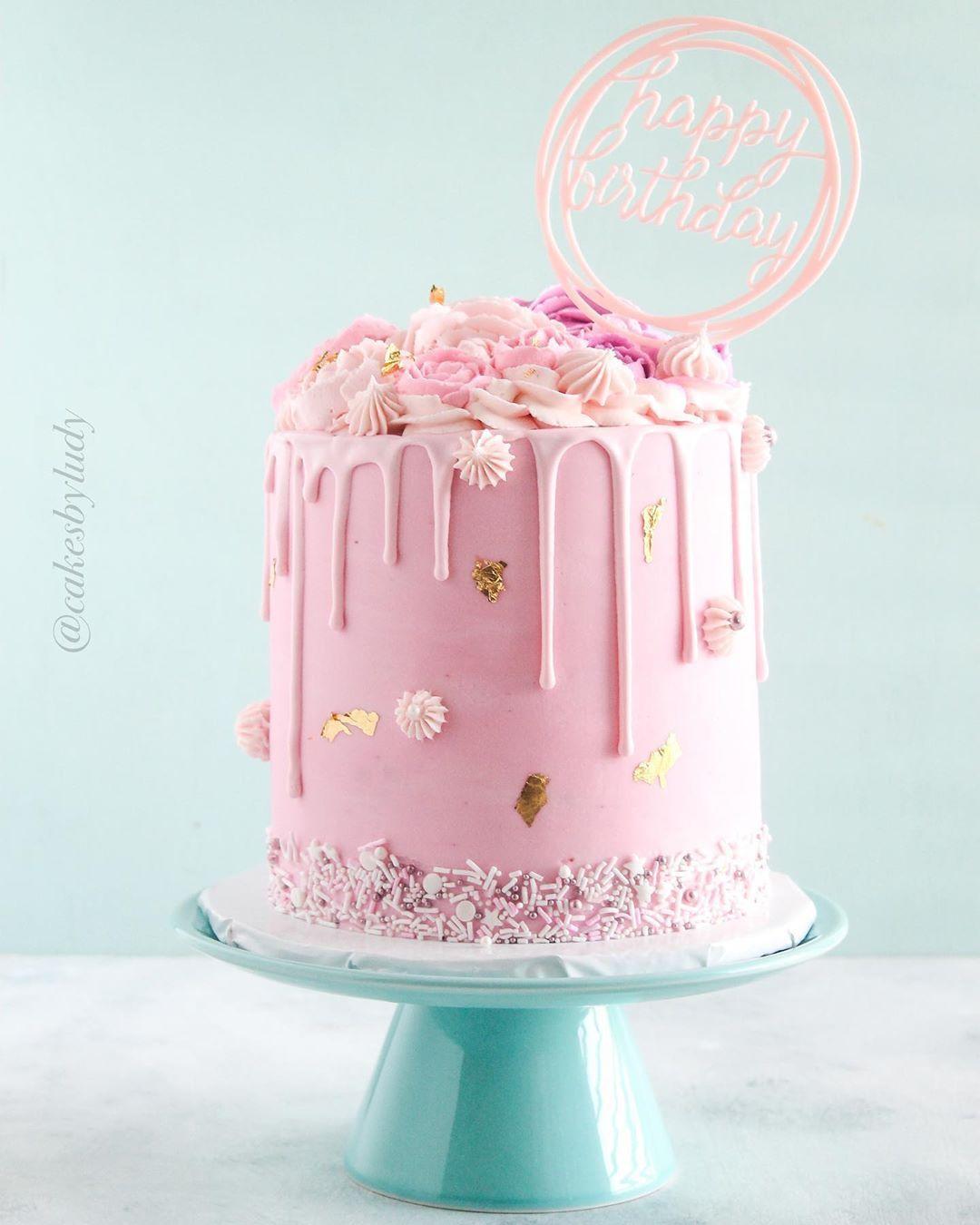 "Ludy| Cakes By Ludy on Instagram: ""One of my faves to date! 💗 . . . #birthdaycake #pinkcake #flowercake #dripcake #elegantcake #cakespiration #bakersofinstagram #igcakes…"""