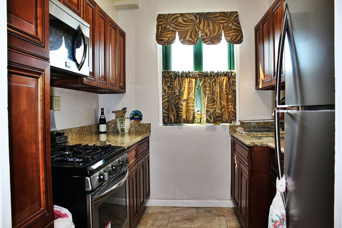 Newly Renovated Three Bedroom Condo For Sale In Parkchester Bronx Westchester Homes Kitchen Remodel Beautiful Kitchens Condos For Sale