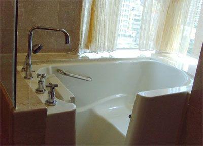銀髮族走入式推門浴缸/老人浴缸/無障礙浴缸