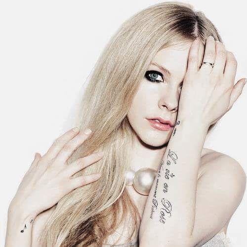 Pin By Samara On Ramona Avril Lavigne Avril Lavigne Photos Avril Lavigne Style