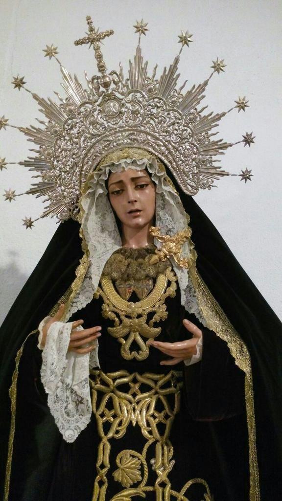 María Stma. del Mayor Dolor ataviada para el mes de Septiembre