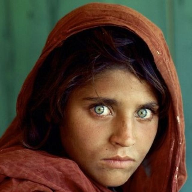 Sharbat Gula Better Known As The Afghan Girl On The 1984 Cover