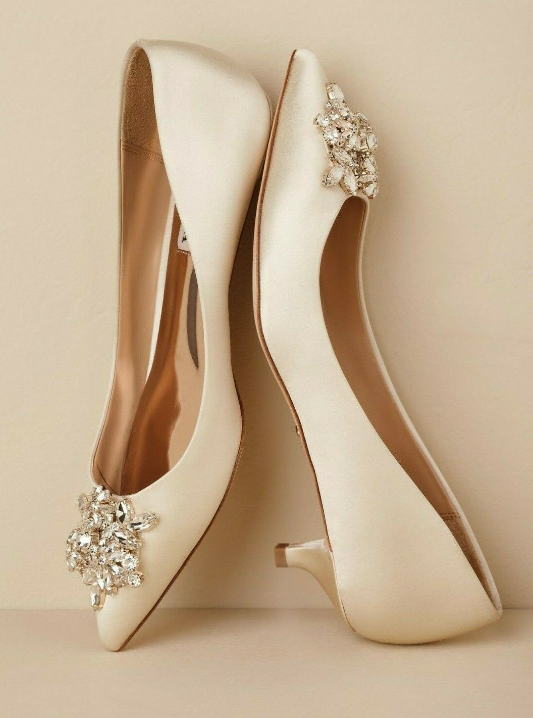 Https Www Ebay Com Itm Bhldn Badgley Michka Vail Size 8 5 Ivory Crystal Embellished Kitten Heel Pumps 283371287368 Has Bride Shoes Wedding Shoes Bridal Shoes
