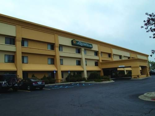 La Quinta Inn Detroit Southgate Southgate Michigan Featuring A Fitness Centre Onsite This Southgate Michigan Hot La Quinta Inn Southgate Southgate Michigan