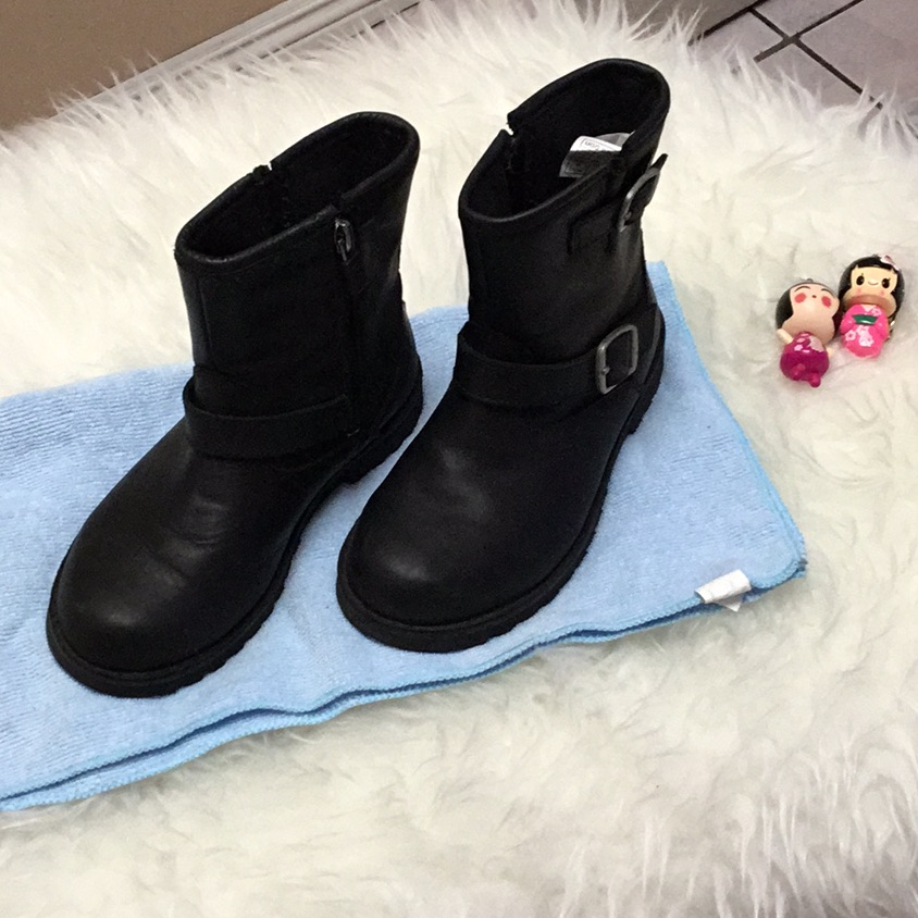 🌺UGG Black Leather Kids Girl Boots Size