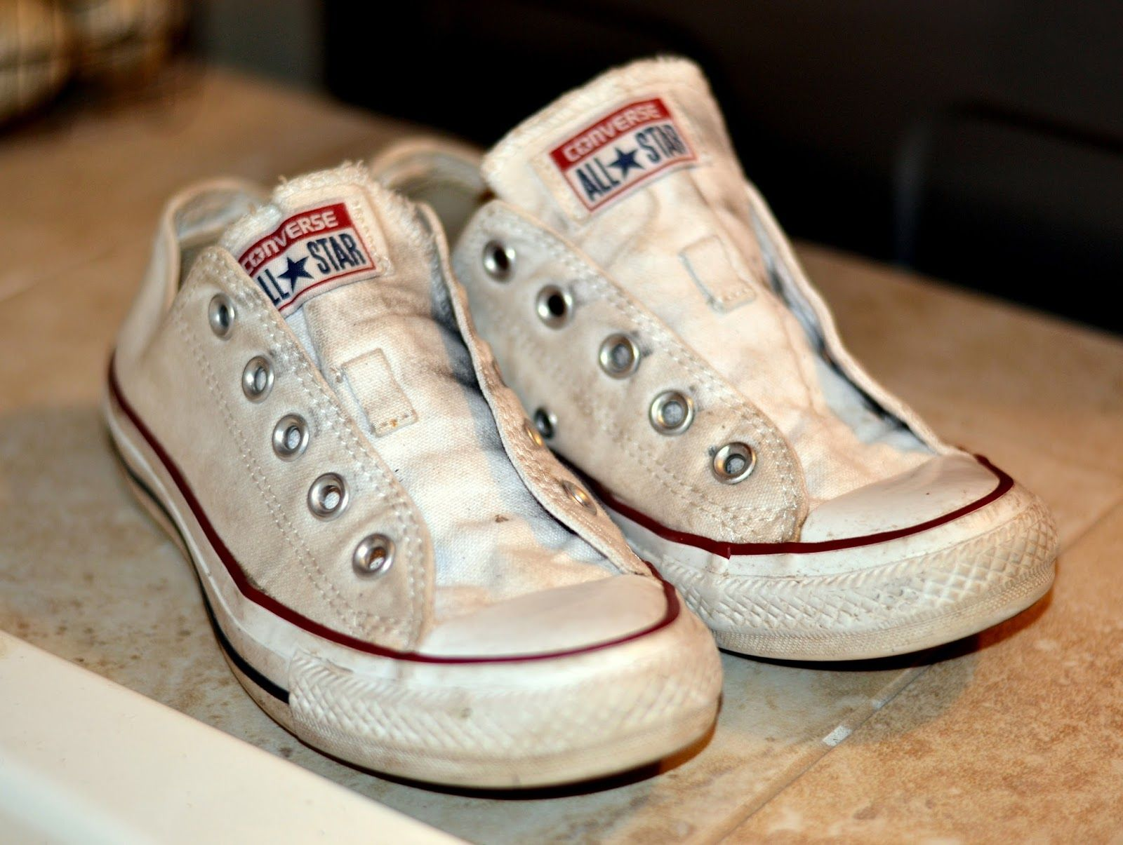b2c9c9dd03da How to clean and whiten your white Converse or canvas shoes to make them  look new again.