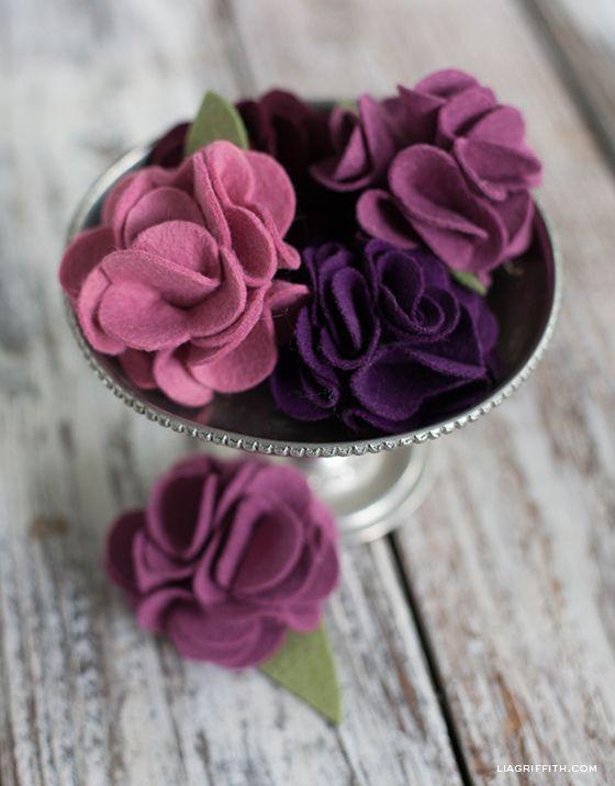Diy Carnation Made In Felt Lia Griffith Felt Flowers Diy Felt Flower Template Felt Crafts Diy