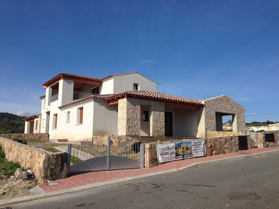 Villetta trilocale d'angolo  Per dettagli   http://www.orizzontecasasardegna.com/dpaweb/scheda.asp?ID_Offerta=01VE135  #budoni #sardegna #immobiliare