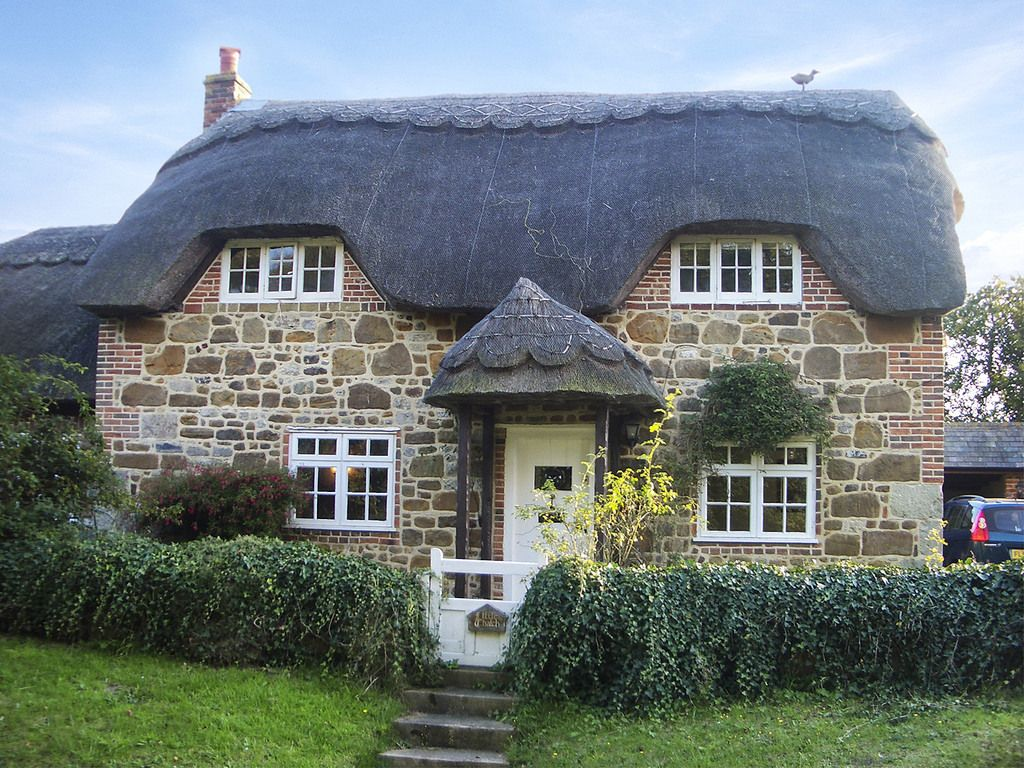 thatched cottage isle of wight country cottages thatched roof rh pinterest com sykes cottages uk reviews sykes cottages uk