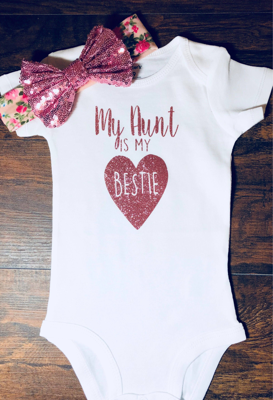 Auntie/'s Bestie bodysuit Best Aunt bodysuit Baby Shower gift