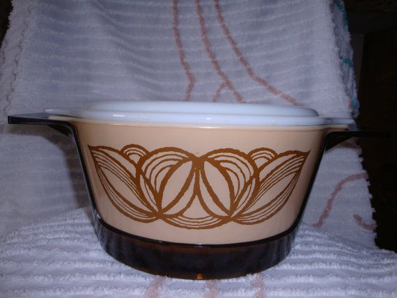 Hey, I found this really awesome Etsy listing at https://www.etsy.com/listing/216369492/free-shipping-pyrex-raffia-promo-with