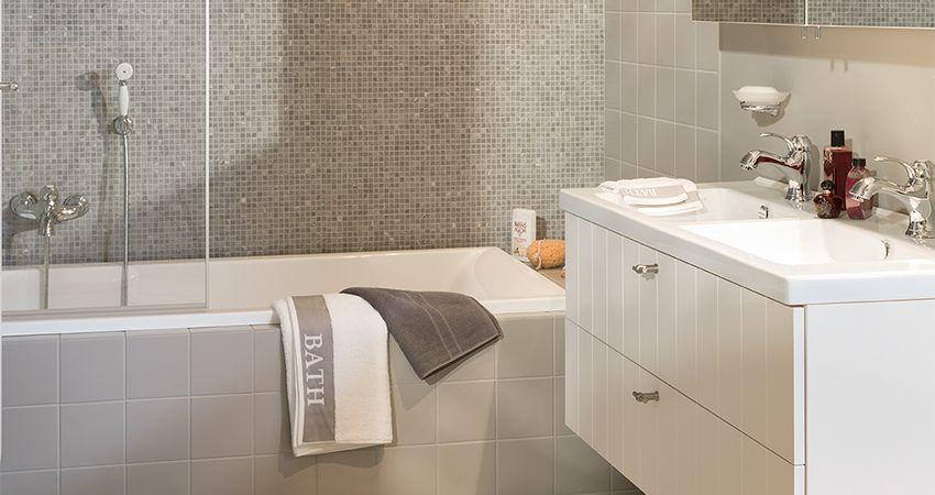 Landelijke badkamer Treport | Badkamer | Pinterest | Grey mosaic ...
