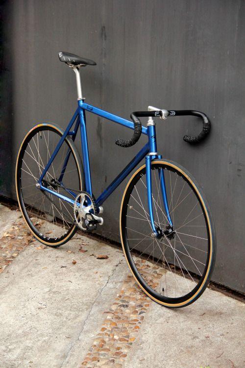 cdffea579 Pin de Carlos Bora em Bikes