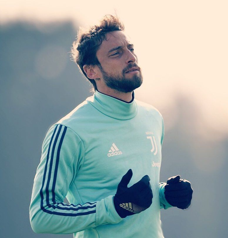 "45 mentions J'aime, 1 commentaires - Claudio Marchisio's fans (@_principinoclaudiomarchisiofan) sur Instagram: ""Cla in allenamento⚪️⚫️ @marchisiocla8  #MC8 #Marchisio #claudiomarchisio #juventus #training…"""