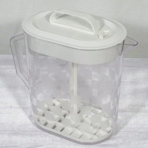 pampered chef pitcher with plunger a keeper home kitchen keepers pampered chef pampered on kitchen decor pitchers carafes id=85983