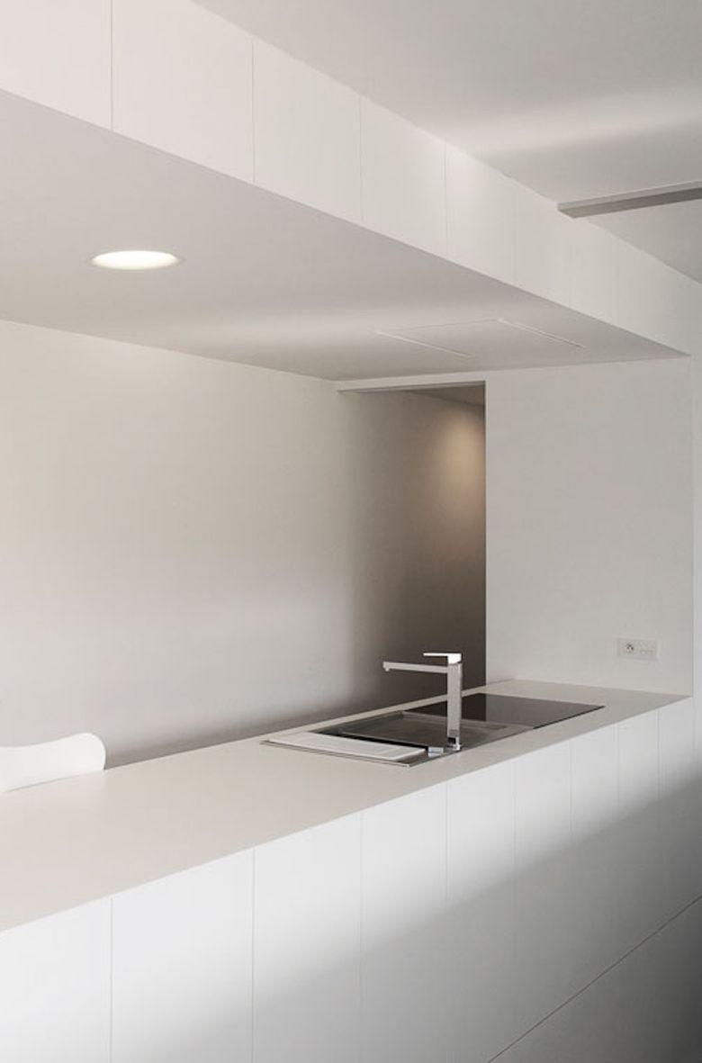 private residence - minimal white kitchen | kitchen . Küche . cuisine | Architekt: Modular Lighting |
