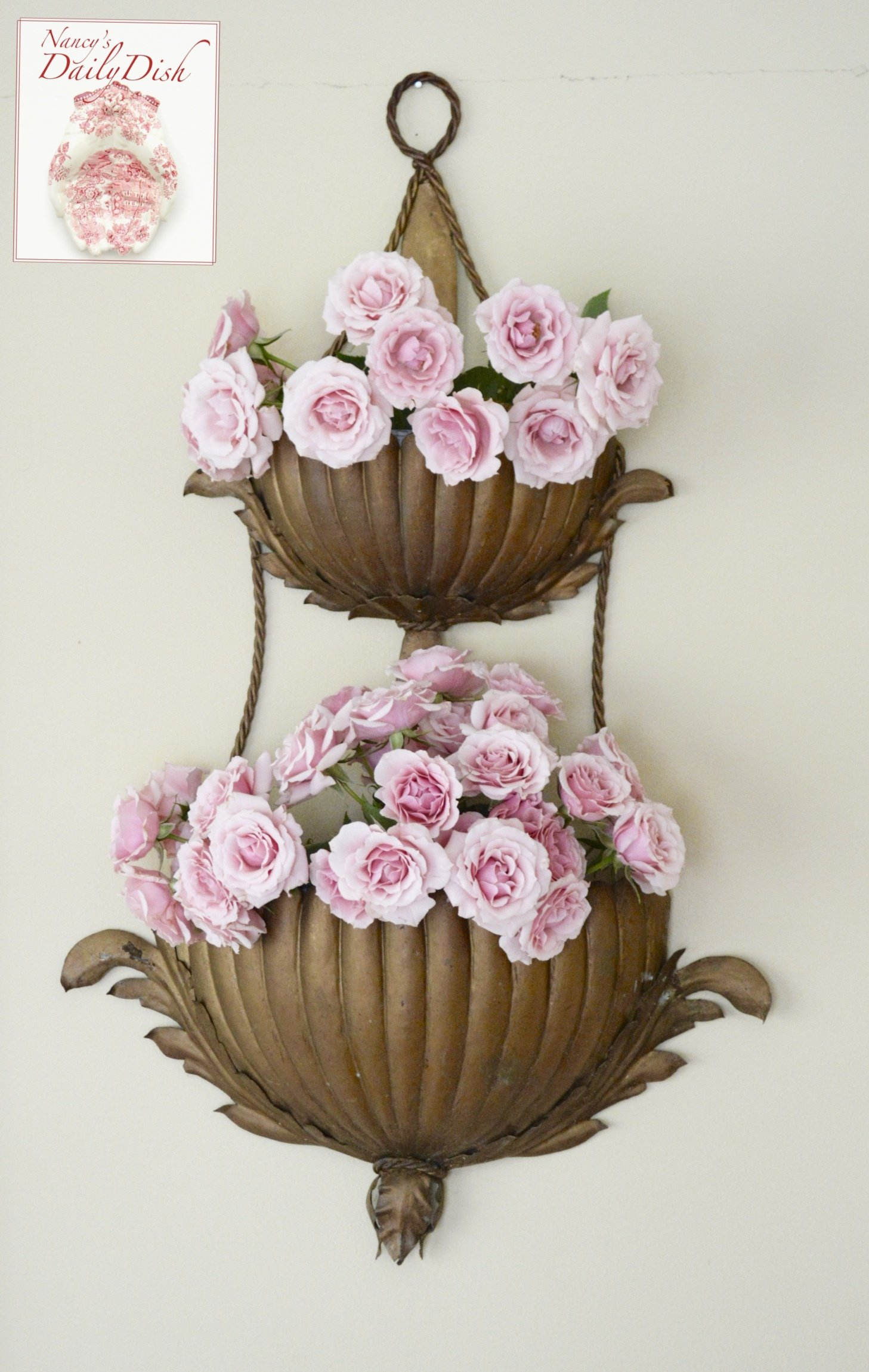 Antique Tole Italian Double Wall Pocket Planter Acanthus ... on Pocket Wall Sconce For Flowers id=37001