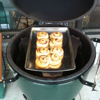 big green egg cinnamon rolls grillin 39 food green eggs. Black Bedroom Furniture Sets. Home Design Ideas