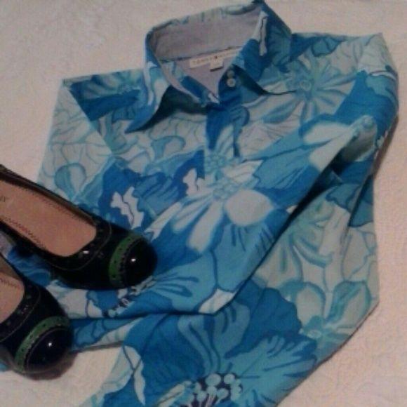 90's Hilfiger Shirt Long sleeve light/dark blue flower oxford style shirt. Tommy Hilfiger Tops Button Down Shirts