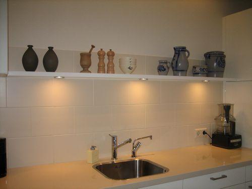 Blinde Wandplank Met Verlichting.Blinde Wandplank Boven Aanrecht Keuken Verlichting Keuken