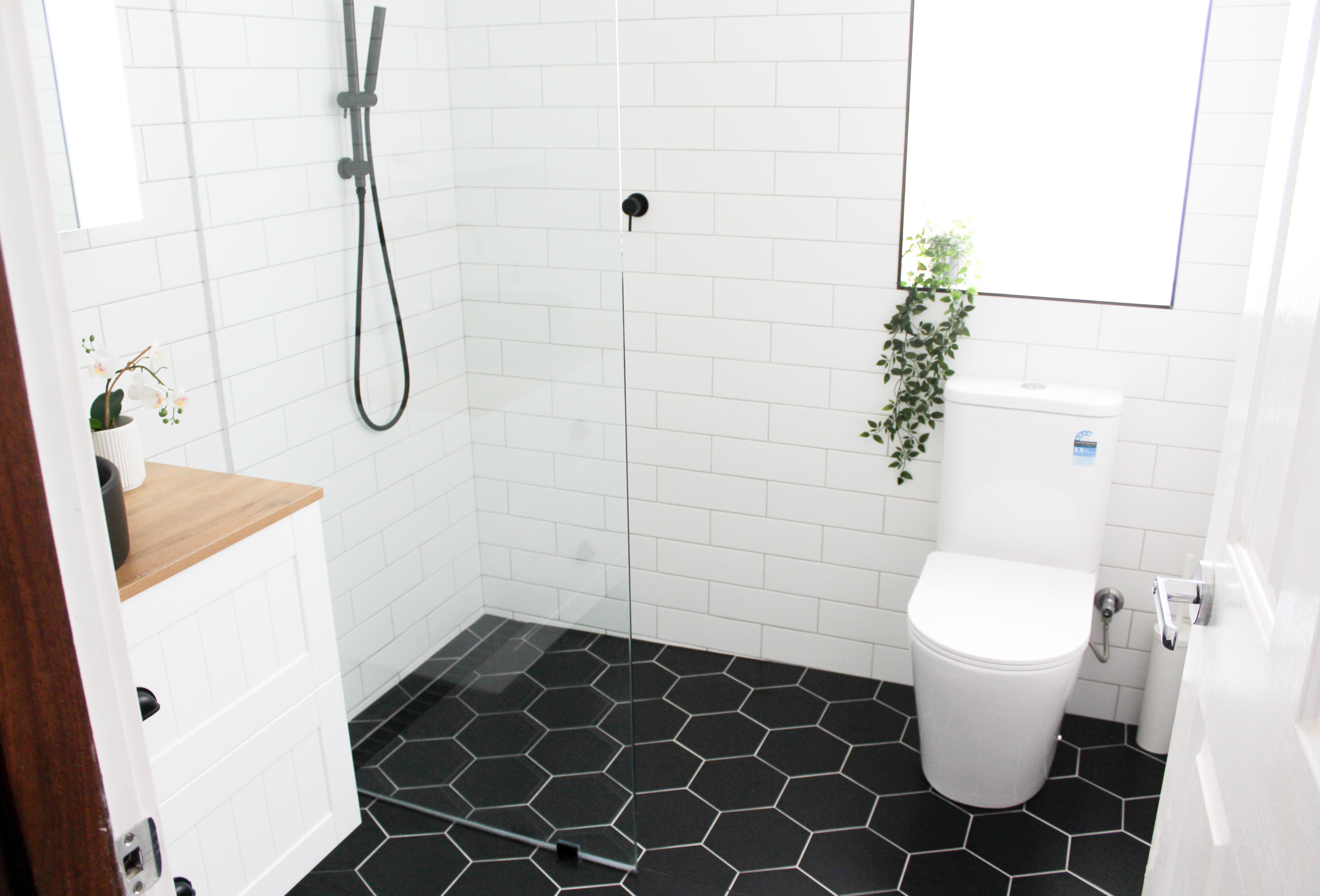 Subway Bathroom In 2020 Beautiful Bathroom Renovations Small Bathroom Renovations Bathroom Renovation Trends