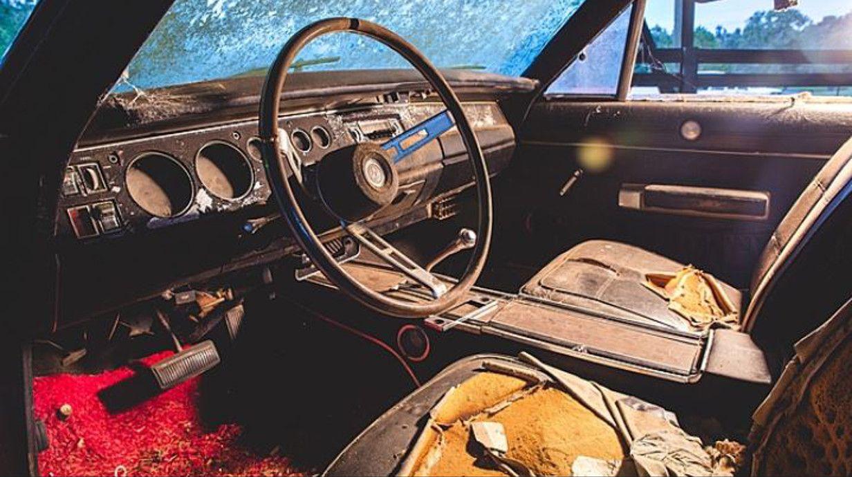Fugen Und Ritzen Im Innenraum Des Autos Richtig Reinigen