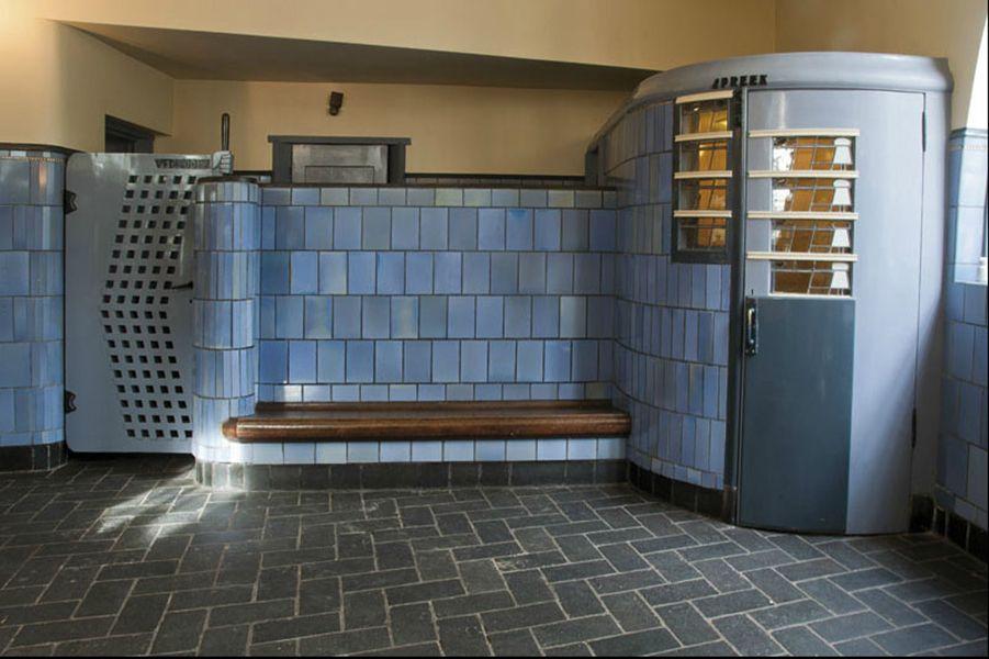 Amsterdamse school interieur google zoeken dutch for Interieur architect amsterdam
