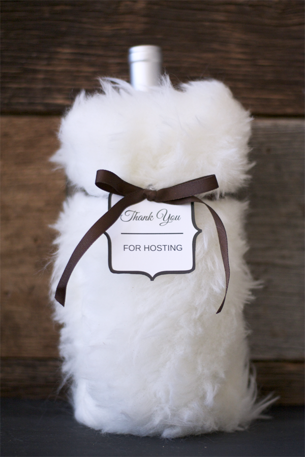 75f26525bd8c Thanksgiving Hostess Gift - DIY Restoration Hardware Faux Fur Wine Bag and  FREE PRINTABLE Hostess or Host Gift Tags