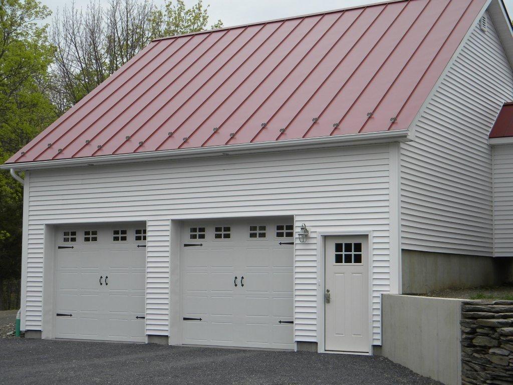 Raynor Garage DoorsDecade Showcase Carriage Panel