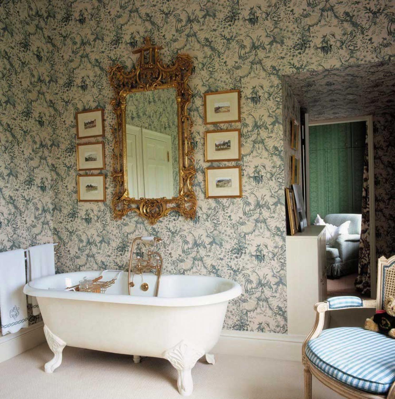 La hora del baño, viejas decoraciones del cuarto de baño, habitaciones mal baño elegante decoración del baño de estilo victoriano, romántico ()