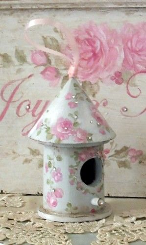 /wish i could paint like this on my 99cent bird house!