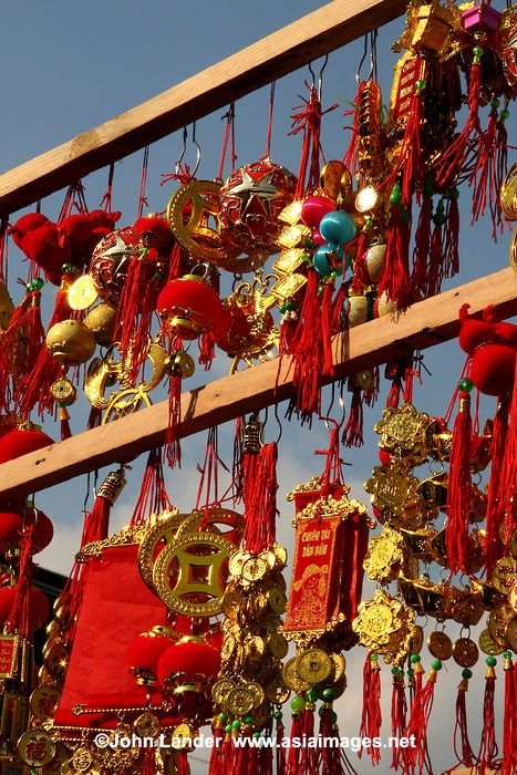 Similar to Chinese New Years in both red and gold