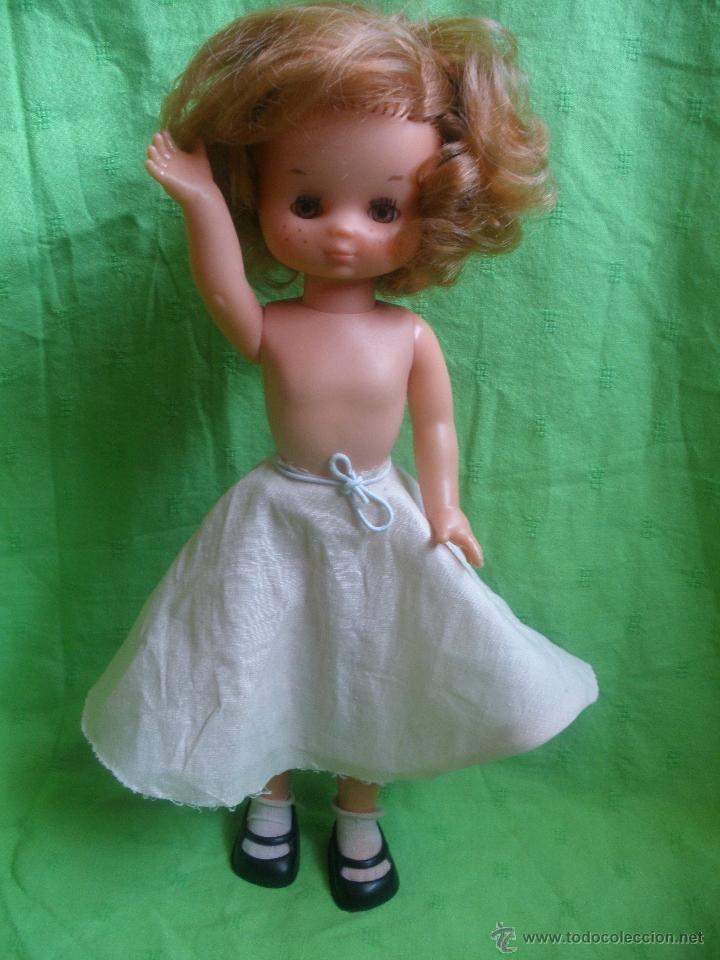 Preciosa Muñeca Lesly Hermana De Nancy Vestida De 16f0fc1030be