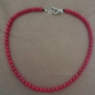 Red hearts necklace