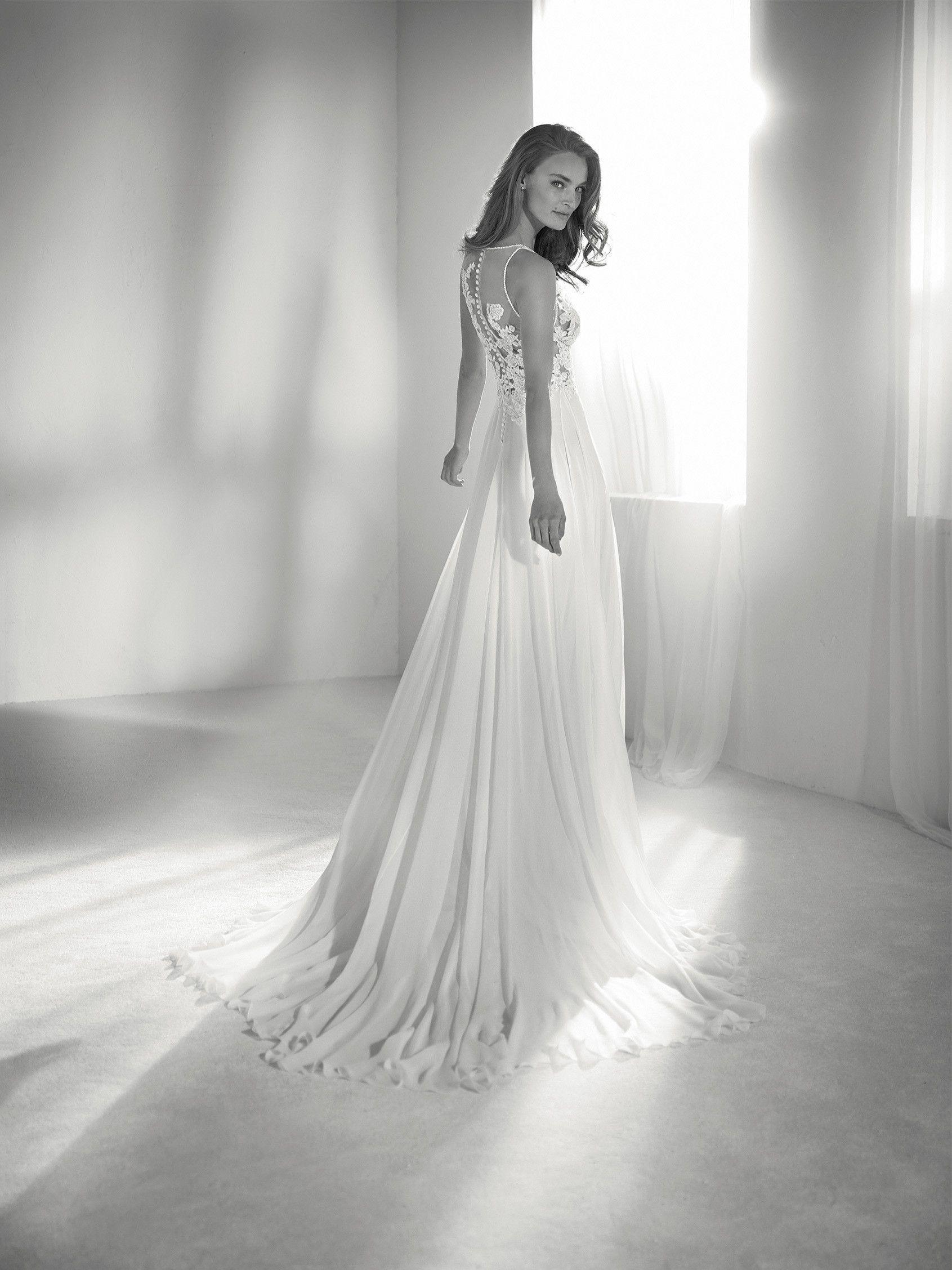 Wedding dress plunging neckline pronovias collection
