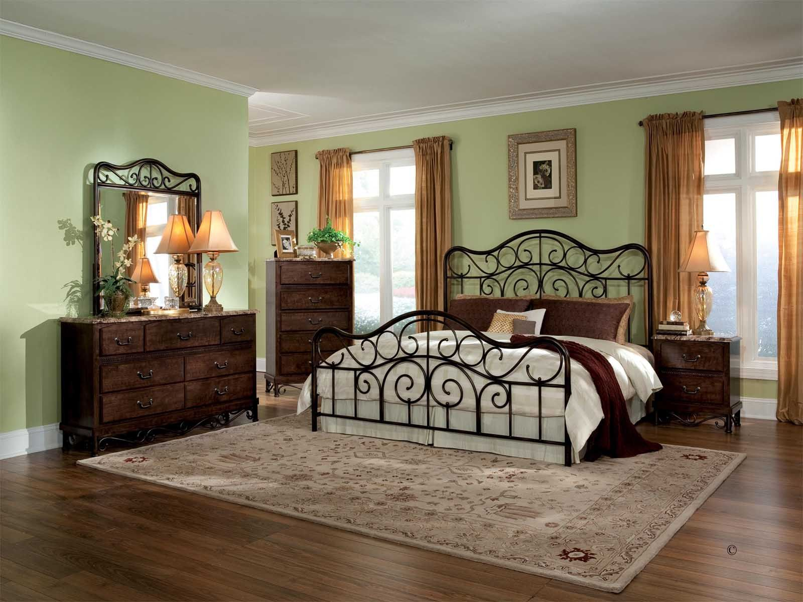Pictures of traditional bedrooms - Image Result For Traditional Bedrooms With Metal Beds