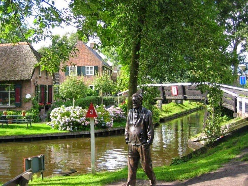 Giethoorn, El Pueblo Sin Calles En Holanda