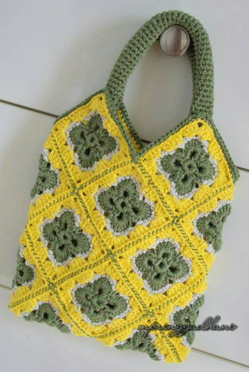 Diamond Shape Granny Squares Bag by MPringgadhani
