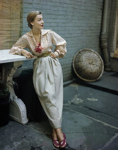 New York 1949. Modeling a Joset Walker Outfit