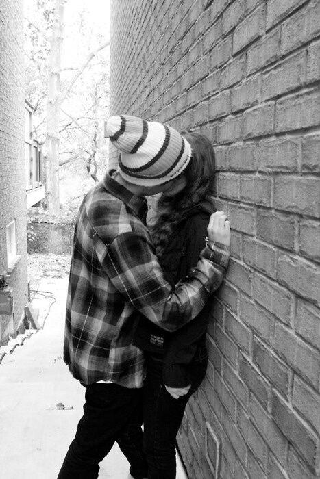 صور بوس أجمل صور قبلات كلام وصور عن القبلة والبوس Cute Emo Couples Emo Couples Emo Love