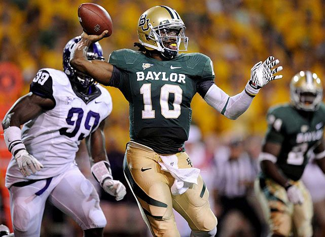 This game is one of the MANY reasons why I love college football. #Baylor upsets #14 TCU 50-48. #SicEm!
