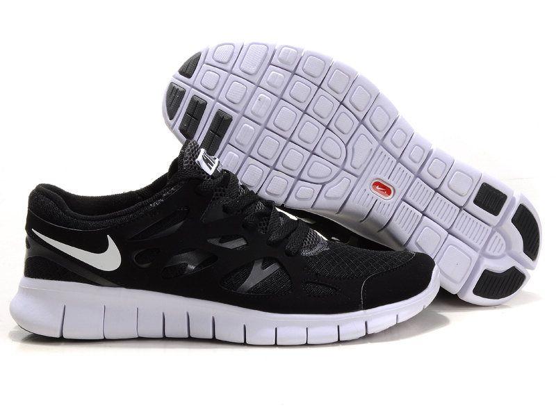 Nike Free Run 2 Talons De La Femme En Noir Et Blanc