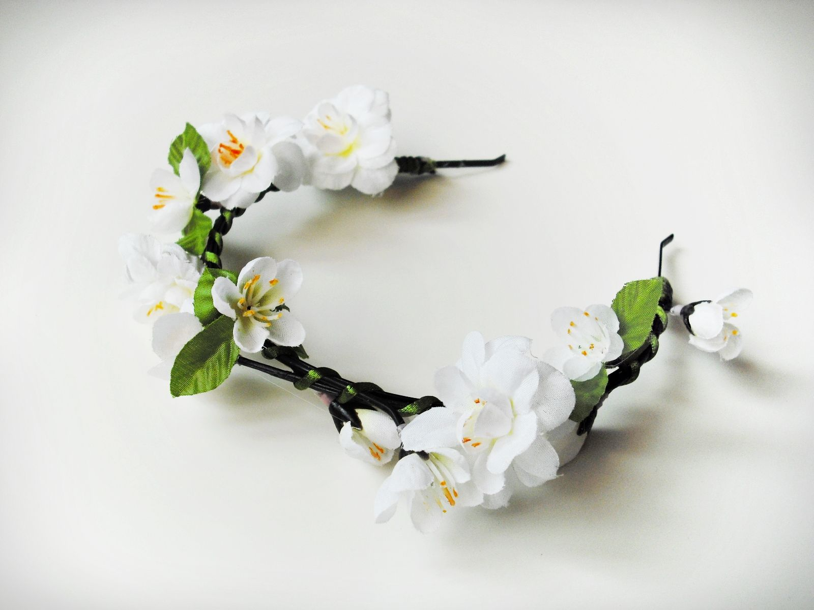 kvetinova celenka do vlasu