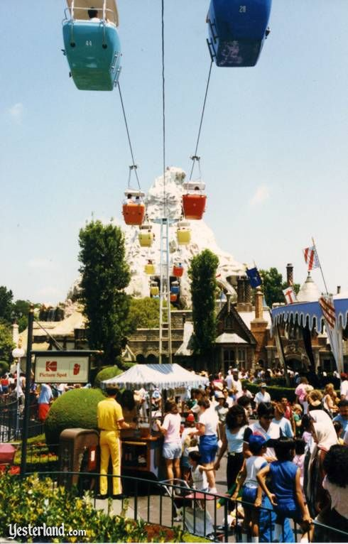 Disneyland's Skyway to Tomorrowland in 1987 | Yesterland