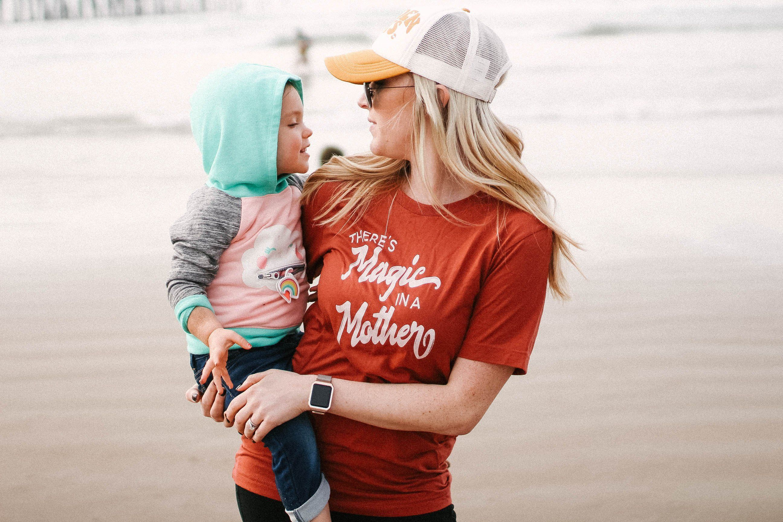 fecb26d2fe8826 There s magic in a mother tshirt  momlife  motherhood