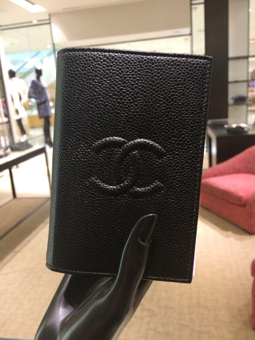 7f2f8da7fdb0 Chanel Classics black caviar passport holder