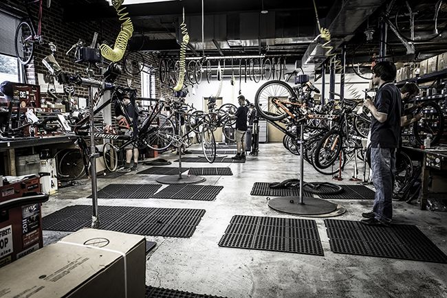 How Bike Shops are using Clubs to Build Community on Strava.