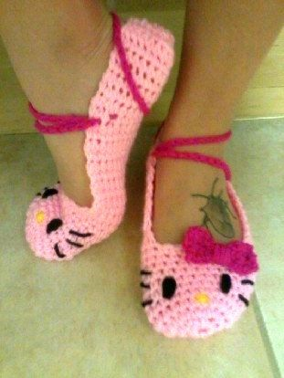 Pink Hello Kitty ballet flat slippers small, women\'s size 6-7